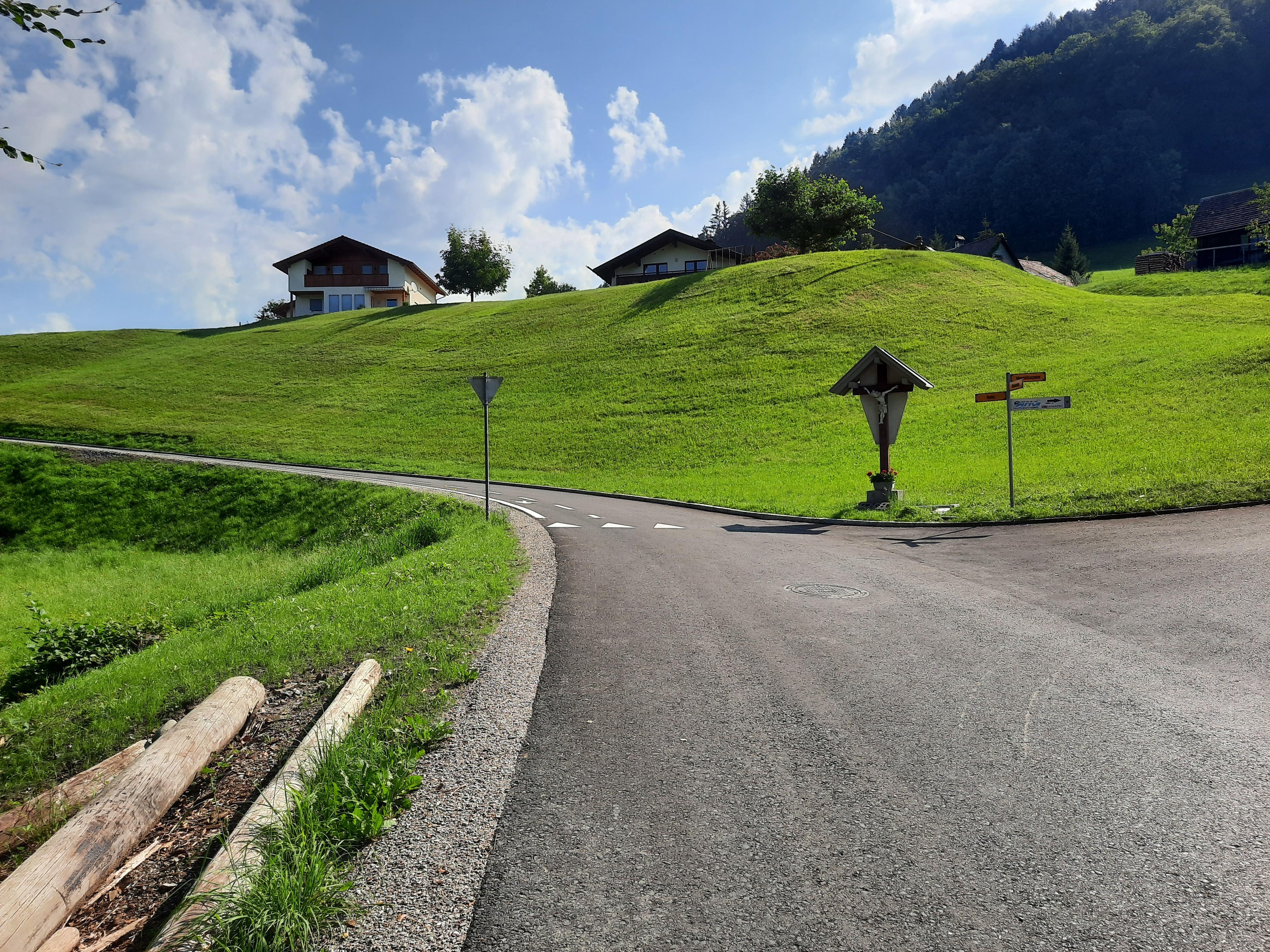 Boden fertigstellung incl. Straßenmarkierung (4).jpg