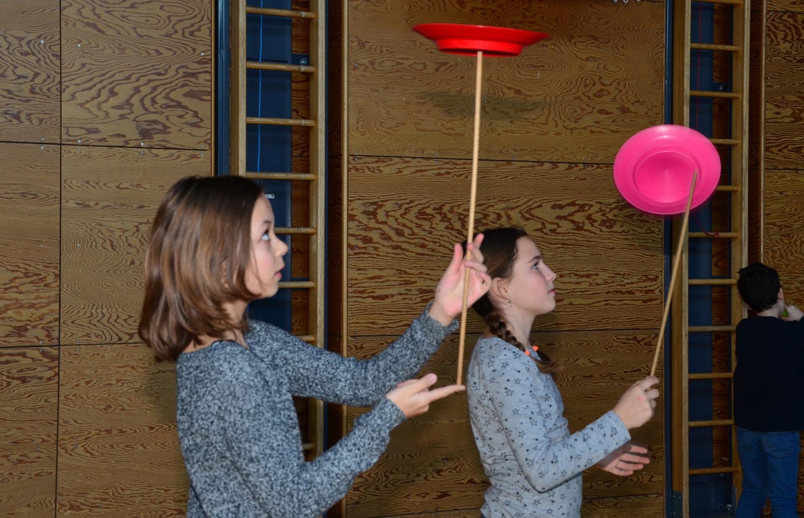 Kinder spielen mit H. Fluri  3 (Copy).JPG